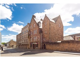 Canongate, Old Town, EH8 8BZ