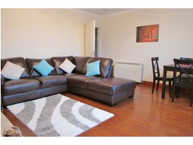 2 Bed Furnished At Spey Rd, Bearsden, G61 1LF