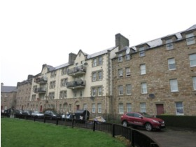 Piershill Square West, City Centre (Edinburgh), EH8 7BA